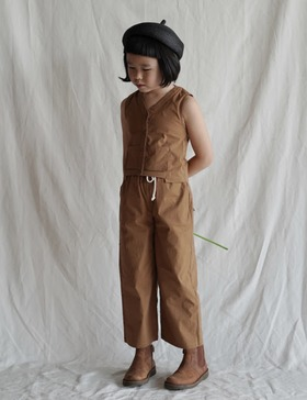 straight-leg pants (brown)